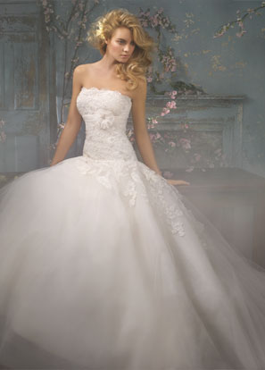 Alvina Valenta Bridal Dresses Style 9000 by JLM Couture, Inc.