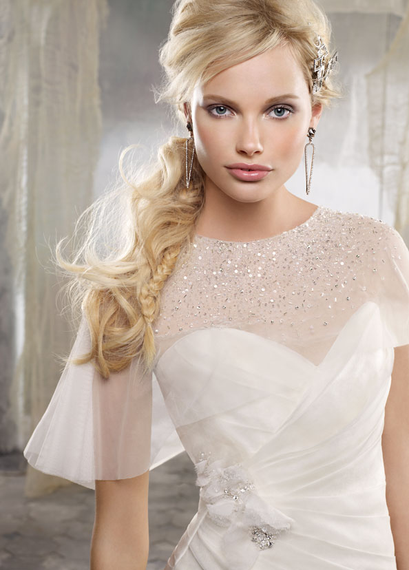 Alvina Valenta vestidos de noiva, vestidos de casamento estilo AV9208 por JLM Couture, Inc.