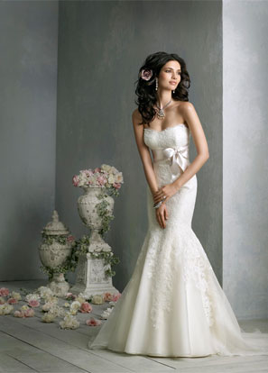 Jim Hjelm Bridal Dresses Style 8850 by JLM Couture, Inc.