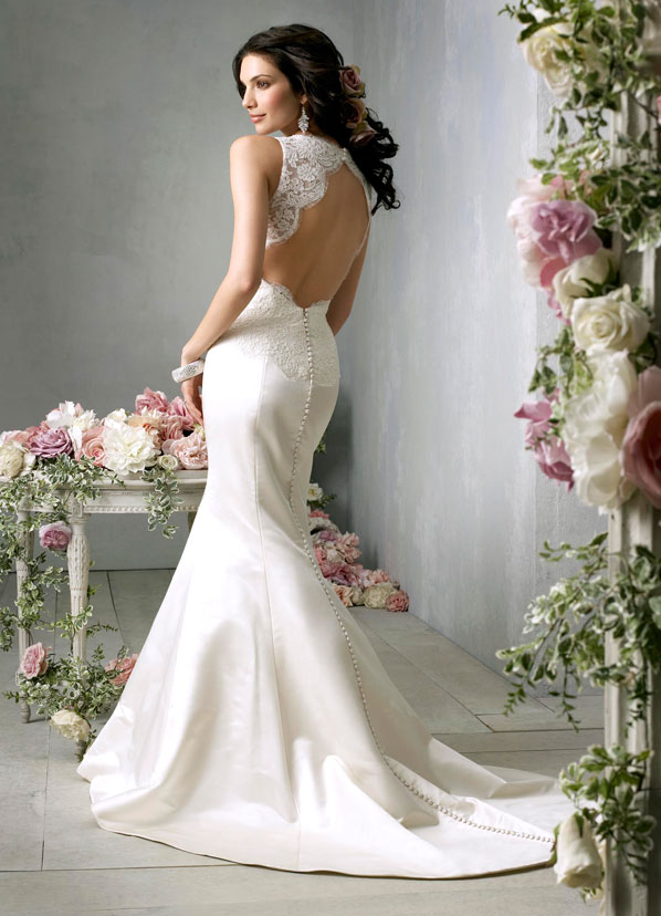 Wedding Trend Ideas: Wedding Dress With Lace Back