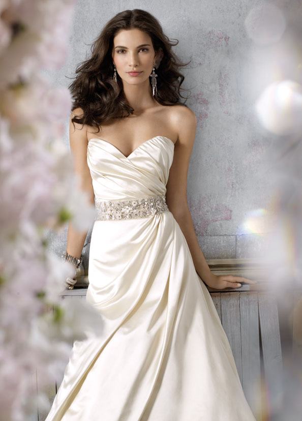 Jim Hjelm Bridal Gowns, Wedding Dresses Style jh8054 by JLM Couture, Inc.