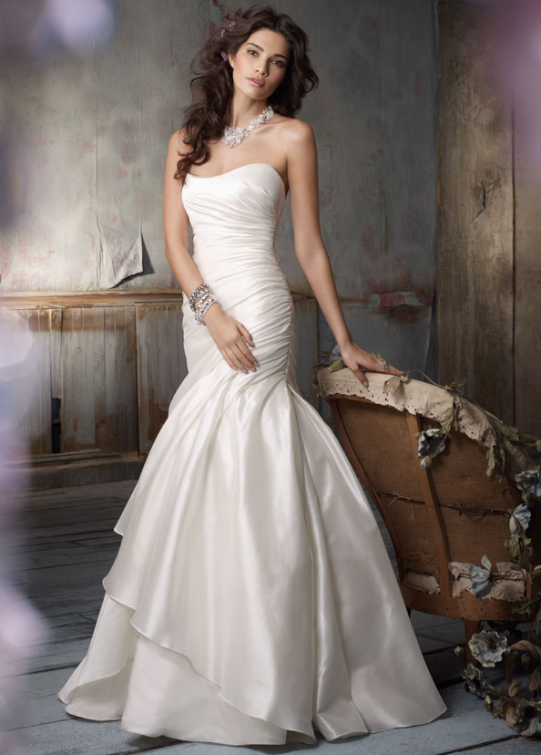 Jim Hjelm Bridal Gowns, Wedding Dresses Style jh8103 by JLM Couture, Inc.
