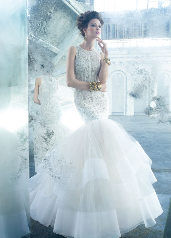 Jim Hjelm became JLM Couture in 1997. The company feature labels from different designers, including Lazaro.
