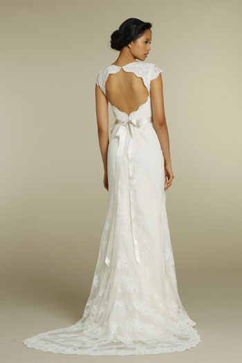 Lace Wedding Dress With Cap Sleeves And Keyhole Back - Wedding ...