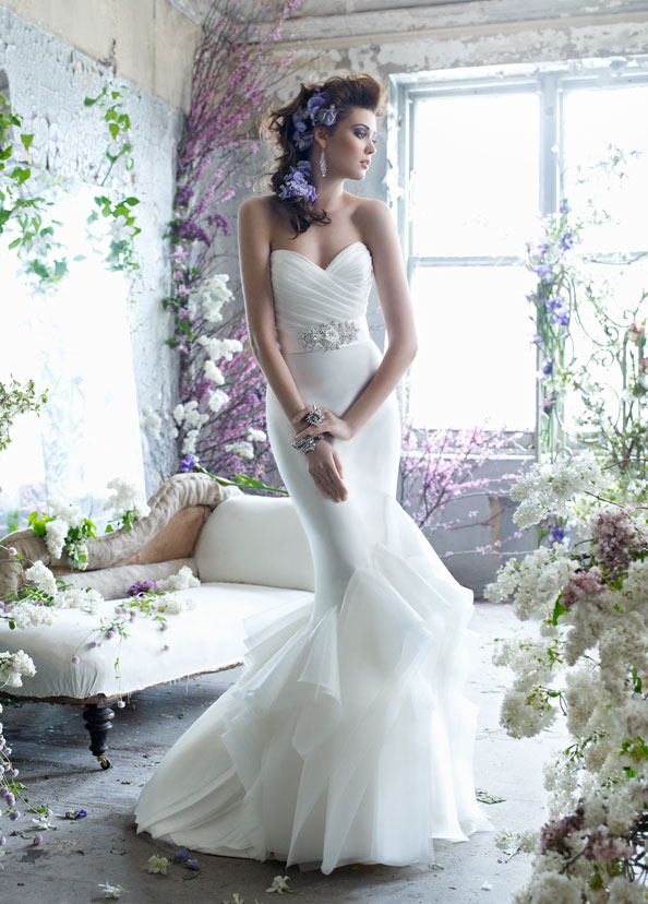 Wedding dresses jan 01 2013 13 05 59 picture gallery for Trumpet style wedding dresses